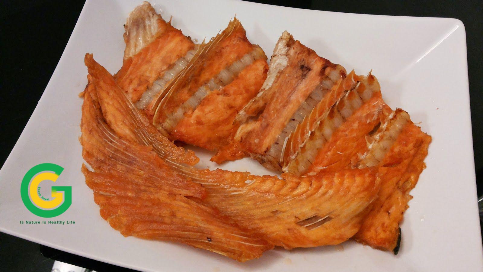 xương cá hồi chiên giòn